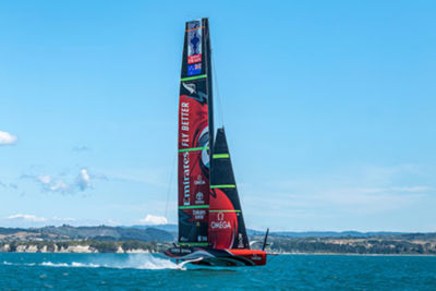 emirates-team-new-zealands-yacht-te-rehutai-sm.jpg